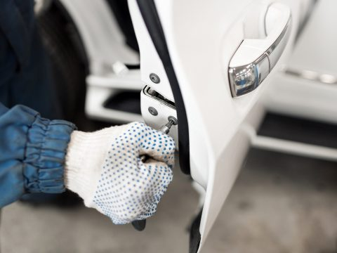 A-Locksmith-in-Los-Angeles-Can-Help-You-Solve-Your-Car-Key-Issues